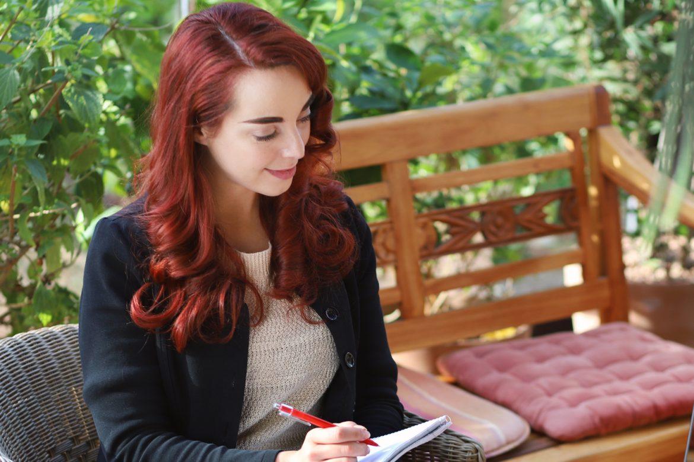 Dr. Katharina Stenger, Psychologische Onlineberatung- Es muss dir nicht peinlich sein, zum Psychologen zu gehen