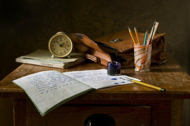 Mobbing in der Schule aufgrund unleserlicher Schrift